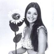 Angela (386)
